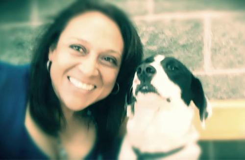 Amigos de Carolina la recuerdan como una mujer dedicada a su familia y al cuidado de los animales. (Foto: Facebook)