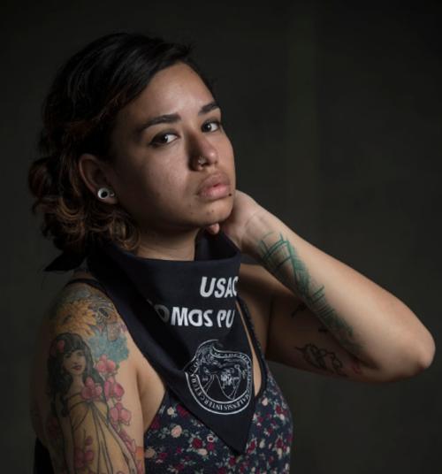 Milián, de 25 años, estudió Diseño Gráfico y Psicología Social y se dedica a la comunicación. (Foto: Oliver de Ros/The New York Times)