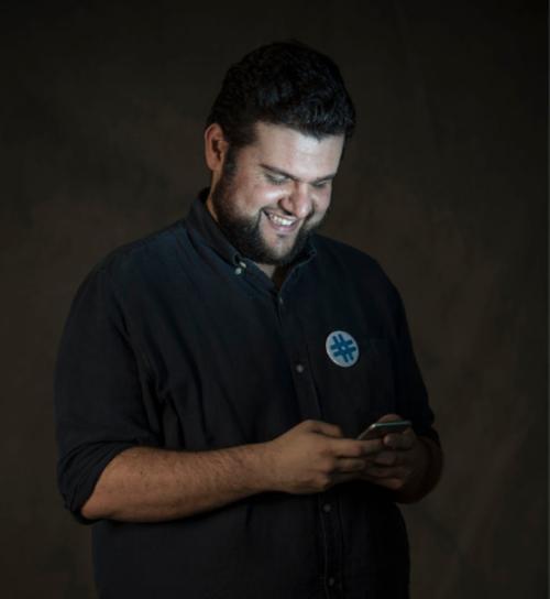 Wer es un emprendedor de 34 años que pertenece al movimiento #JusticiaYa. (Foto: Oliver de Ros/The New York Times)