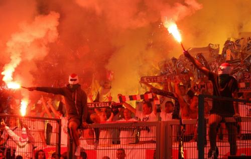 "Los ""ultras"" del Legia de Varsovia preocupan en Madrid. (Foto: Twitter)"