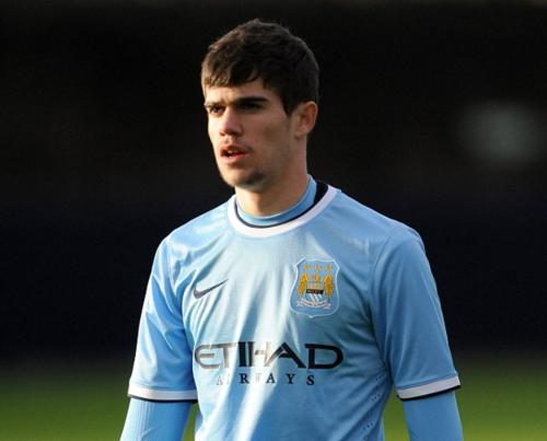 José Ángel Pozo, con el uniforme del Manchester City. (Foto: Daily Mail)