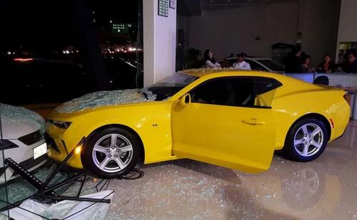El pequeño ocasionó daños por varios miles de pesos. (Foto: sopitas.com)