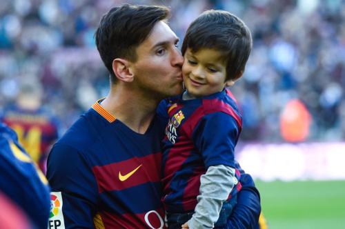 Leo Messi con el pequeño Thiago, que tiene tres años. (Foto: MD)