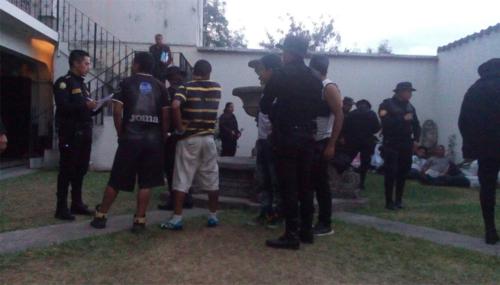Las audiencias de 59 de los 65 aficionados detenidos se realizaron entre las 18:00 horas del 12 de diciembre y las 3:00 del día siguente. (Foto: Pablo Solís/Nuestro Diario)