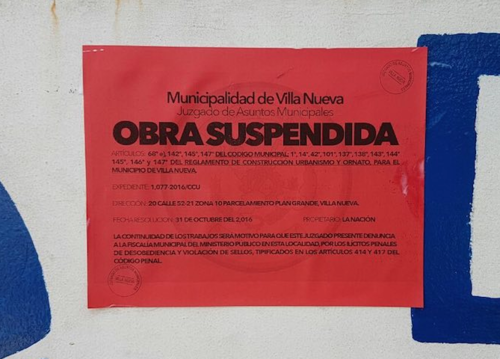 El Juzgado Municipal paralizó los trabajos de construcción de un muro perimetral. (Foto: Municipalidad de Villa Nueva)
