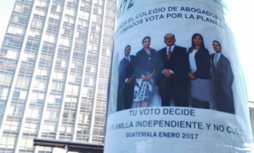 Algunas planillas han colocado propaganda en los alrededores del Palacio de Justicia y de la Torre de Tribunales.