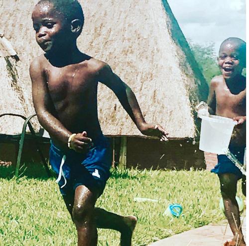 Las gemelas vivieron 5 años en el Orfanato. (Foto: Instagram)