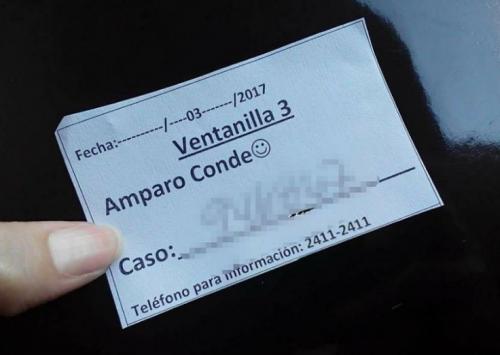 Esta es la contraseña que reciben las personas que van a solicitar su pasaporte. (Foto: Soy502)