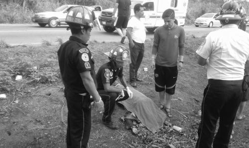 Cuatro personas murieron de manera instantánea. (Foto: Bomberos Municipales Departamentales)