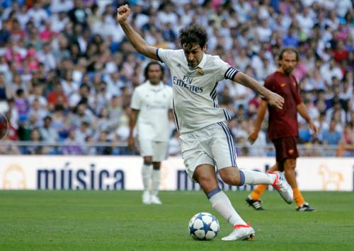 "El ""Ángel de Madrid"" se ganó los aplausos del público merengue. (Foto: Twitter)"