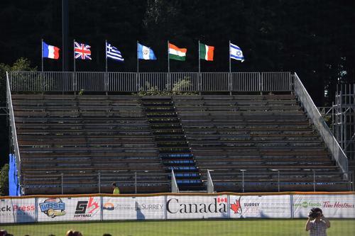 La bandera de Guatemala ya ondea en los diamantes del Mundial de softbol femenino Canadá 2016. (Foto: Marian von-rayntz/Asosoft)