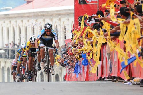 La Vuelta de Ciclística de Guatemala es uno de los eventos deportivos con más seguidores en el país. El nivel ha bajado en comparación a años anteriores donde estaba mejor catalogada en la región. (Foto: Archivo)