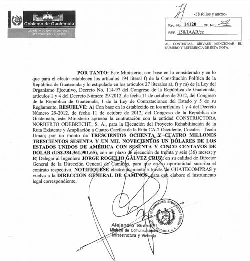 Alejandro Sinibaldi, en su calidad de ministro de Comunicaciones, firmó la aprobación del contrato con la constructora Odebrecht. (Foto: Soy502)