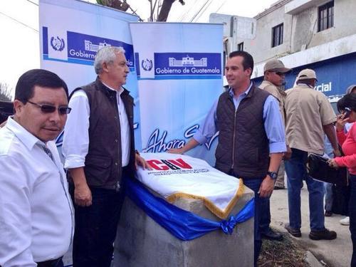 El Ministro de Comunicaciones participa junto al Presidente Otto Pérez en la inauguración de obras. (Foto:twitter@ASinibaldi)