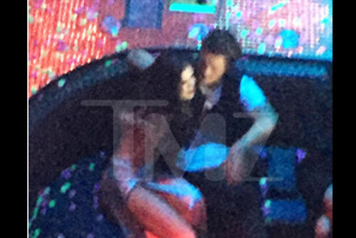 Según información del portal TMZ, Bloom y Gomez fueron fotografiados besándose. (Foto: TMZ)