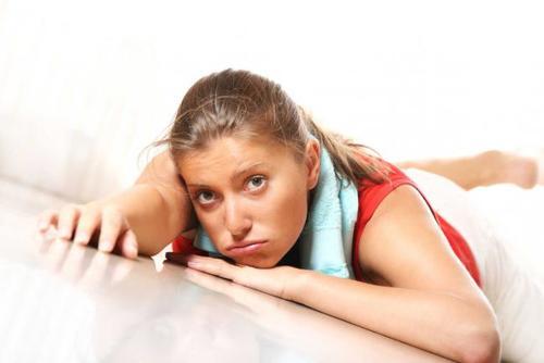 Bajar de peso sin quemar grasa es común en casos de sobreentrenamiento. (Foto IstockPhoto/Thinkstock)