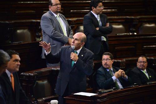 En su primer día como presidente del Congreso, Mario Taracena ofreció auditar el Organismo Legislativo para erradicar las plazas laborales usadas con fines políticos. (Foto: Alexis Batres/Soy502)