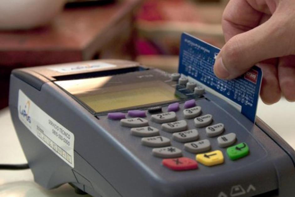 Una semana después que la ley fuese suspendida, las empresas de medios de pago decidieron regresar las cuotas en las tarjetas de crédito. (Foto: Archivo/Soy502)