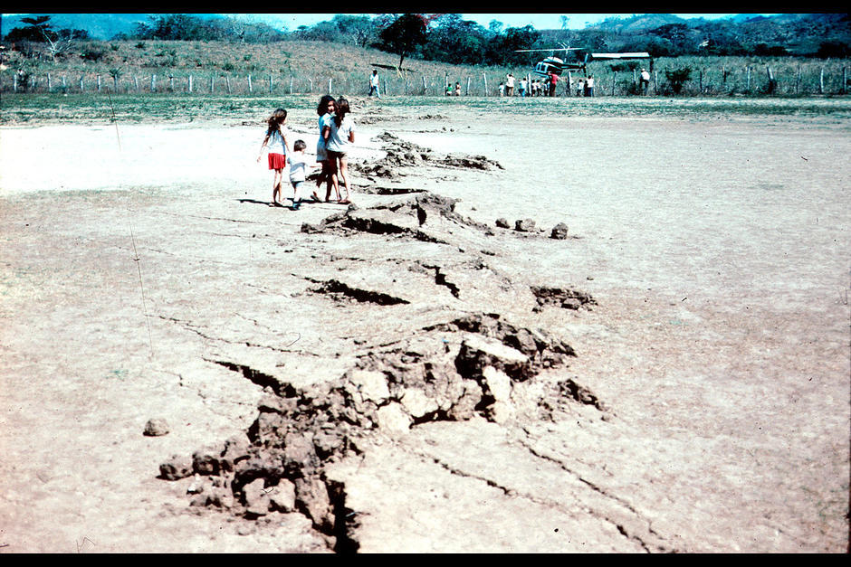 Así quedó parte del territorio de Gualán, Zacapa, por donde pasa la falla del Motagua. (Foto: Departamento del Interior de Estados Unidos)