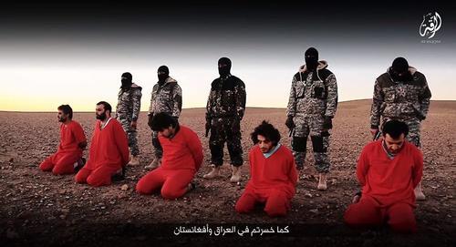 El grupo terrorista graba usualmente las ejecuciones de sus detractores. (Foto: mundo.sputniknews.com)