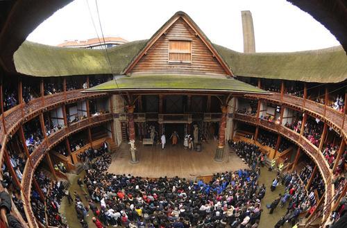 """Teatro """"The Globe"""", fiel reconstrucción del teatro isabelino, donde William Shakespeare expuso sus mejores obras. (Foto: elcastillodekafka)"""