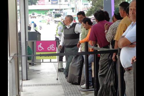 En la estación Tipografía de la zona 1 se puede transbordar para zona 9, 12 y 13. (Foto: Gustavo Méndez/Soy502)