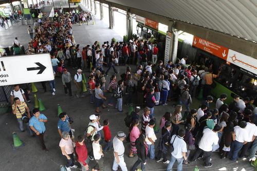 La ciudad cambió su forma de movilizarse desde que empezó a funcionar el Transmetro. (Foto: Deccio SErrano/Soy 502)