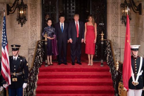 Trump dijo que tomó la decisión cuando comía el postre con el presidente de China. (Foto: Trump)