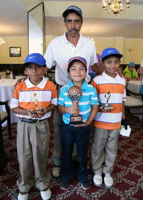 Otros chicos de Hoodlinks que han destacado junto a Ashley son Jacinto y Nehemías de La Cruz quienes ocuparon los puestos 8 y 9 en la categoría 8-9 años.