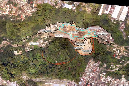 Imágen satelital muestra el área en la que ocurrió el alud el pasado jueves en horas de la noche en El Cambray II, Santa Catarina Pinula. (Foto: CEMEC-CONAP-NETCORE y NASA)