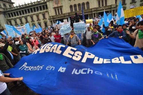 Los estudiantes sancarlistas no faltaron en la marcha 15A en el Prque Central. (Foto: Wilder López/Soy502)