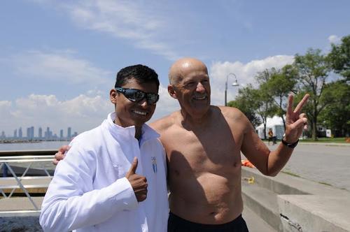 Erick Barrondo y su entrenador. (Foto: Pedro Mijangos/Soy502)