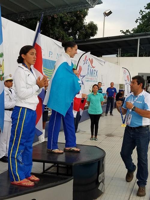 Valerie Gruest subió al podio en el torneo regional de natación. (Foto: COG)