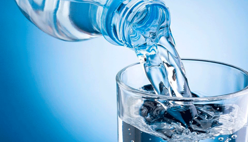 Según investigadores de Harvard la cantidad recomendable es de cuatro a seis vasos por día. (Foto: AFP)