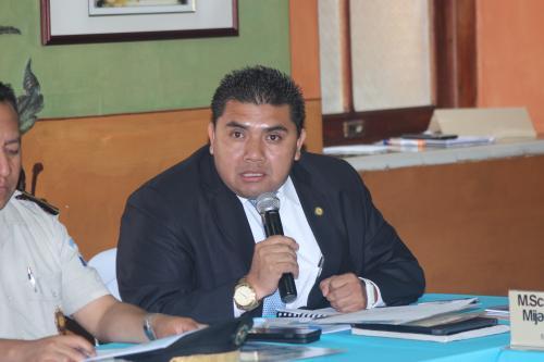 El viceministro Elmer Sosa explicó el plan que se tiene para resguardar la seguridad durante las elecciones. (Foto: Alejandro Balan/Soy502)