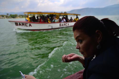 Roxana Baldetti realizó una visita al Lago de Amatitlán. (Foto: Archivo/Soy502)