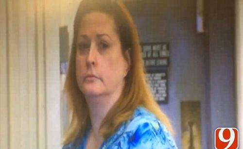 La mujer se llama Victoria Dacalio y tiene 51 años. (Foto: dailymail.co.uk)