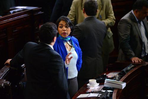 La diputada Vivian Preciado preside la sala que dictaminará las reformas a la Ley Orgánica de la SAT. Estuvo presa en 2010 por tenencia ilegal de armas de fuego. (Foto: Archivo/Soy502)