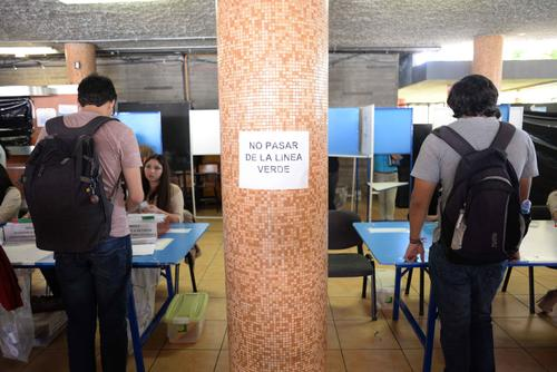 Los estudiantes emitieron su voto durante todo el día (Foto: Jesús Alfonso/Soy502)
