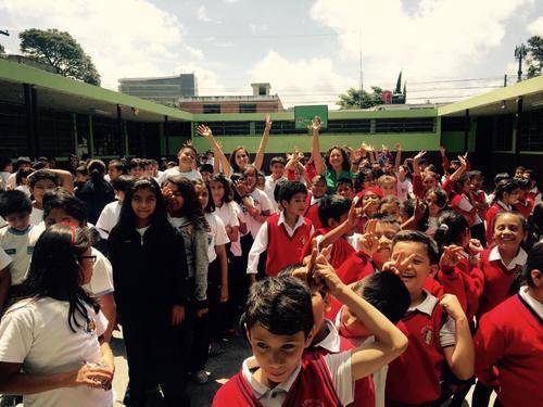 Proyecto Wa'ik en Escuela República de Francia. (Foto: Facebook)