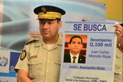 Walter René Vásquez Cerón, exdirector general de la PNC, fue arrestado este lunes por la firma de contratos anómalos de 47 vehículos blindados.  (Foto: Archivo/Soy502)