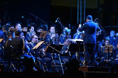 La banda comenzó a tocar a las 20:00 horas, una hora después de lo previsto. (Foto: Wilder López/Soy502)