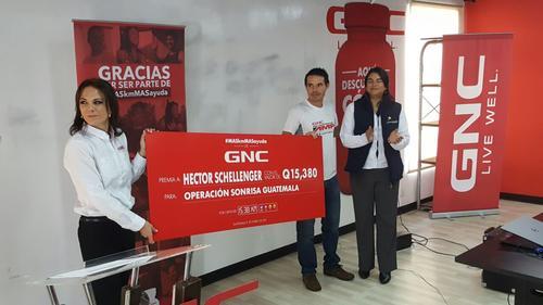 Fueron Q.15,380 recaudados para la Operación Sonrisa Guatemala. (Foto: cortesía DDB Centro)