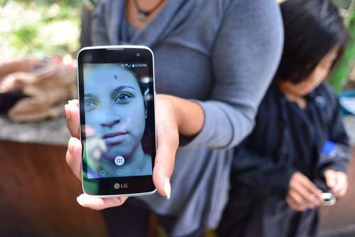 Su madre relata que tenía dos años de no verla y que cada vez que llamaba le decían que estaba castigada. (Foto: Jesús Alfonso/Soy502)