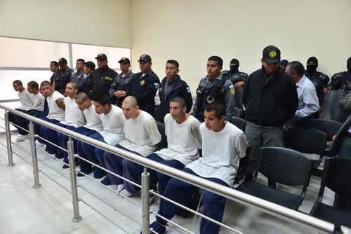 Integrantes del Barrio 18, internos en el correccional Etapa II, enfrentan cargos por el asesinato de cuatro monitores y fueron trasladados al Preventivo de la zona 18. (Foto: Jesús Alfonso/Soy502)
