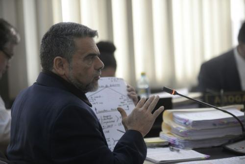 Barquín utilizó documentos y leyes para argumentar su inocencia ante la Jueza de Mayor Riesgo. (Foto: Wilder López/Soy502)