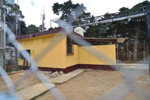 """Vista de afuera del lugar que ocupó Byron Lima en Pavoncito y que ahora es ocupado por Salvador González """"Eco"""" y Juan Carlos Monzón. (Foto: Archivo/Soy502)"""