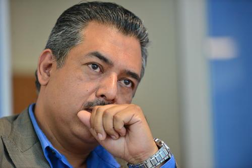 Erwin González destaca la importancia de mantener el patrimonio industrial y reutilizarlo para que sea del disfrute de todos los guatemaltecos. (Foto: Wilder López/Soy502)