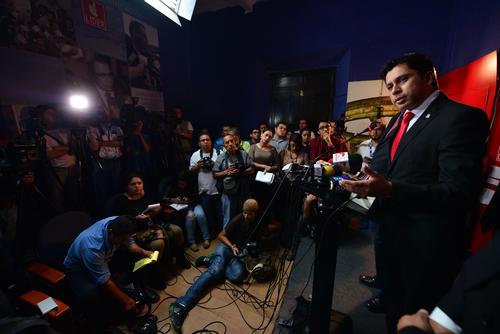 En conferencia de prensa, el vocero de Lider, señaló que Manuel Baldizón seguirá haciendo campaña pese a la prohibición del TSE. (Foto: Wilder López/Soy502)