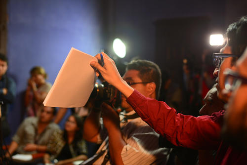 El periodista de Plaza Pública, Bill Barreto, cuestionó al vocero de Lider si temían que más diputados fuesen investigados ya que ellos también son financistas. (Foto: Wilder López/Soy502)